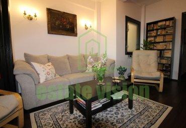 Apartament elegant 3 camere si hol mare locuibil Bdul Carol-Armeneasca