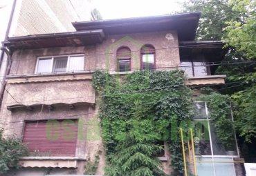 Vila cu arhitectura deosebita zona Polona
