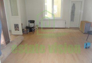 Apartament 3 camere Universitate-Scala