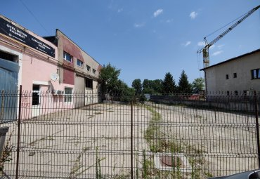 Strada Depozitelor: teren 200 mp + birou 35 mp de inchiriat.