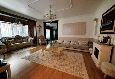 Apartament in vila, curte 380 mp, Cotroceni